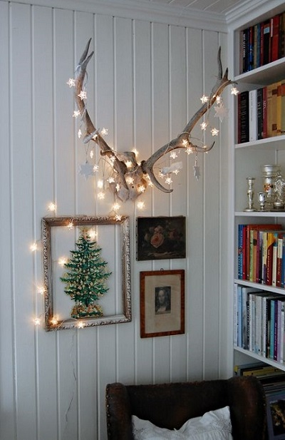 10 Ingenious Christmas Lights Ideas For Indoor Decoration